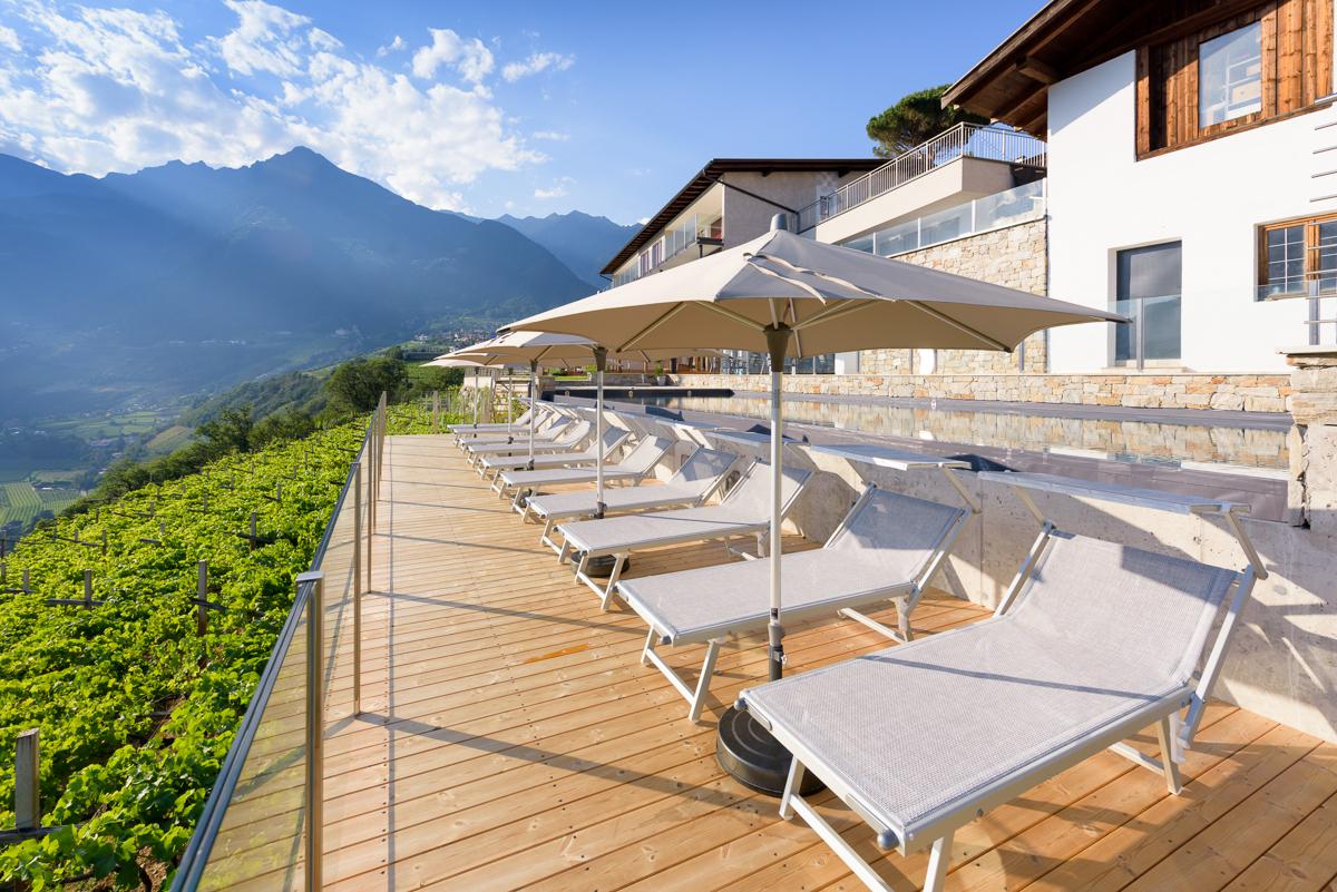 La Pergola Suites Dorf Tirol - Infinity Pool - Schwimmbad